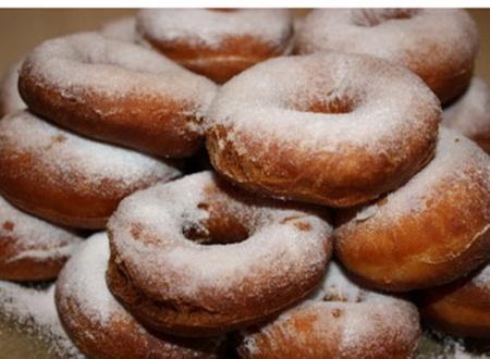 Как готовить пончики? Рецепт приготовления аппетитных, пышных пончиков – смотрите видео.