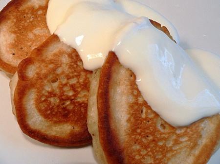 Как испечь оладьи на молоке? Рецепт оладий на молоке. Вкусные оладьи