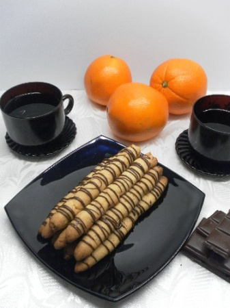 Орехово-апельсиновые палочки – рецепт на 8 марта. Прекрасный вариант праздничного завтрака.