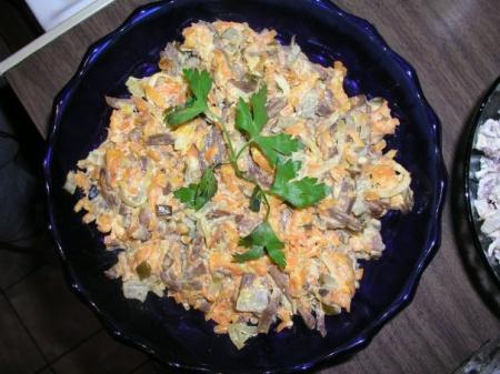 Салат «Обжорка» - рецепт сытного и вкусного блюда. Как приготовить салат «Обжорка»?