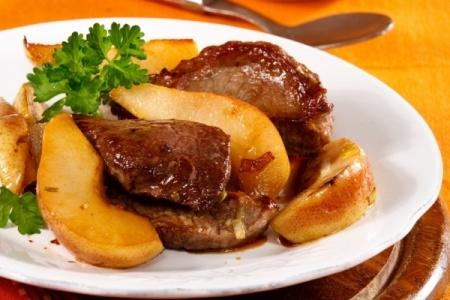 Рецепт тушеного мяса с грушами в вине