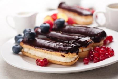 Рецепт эклеров с заварным кремом в шоколадной глазури