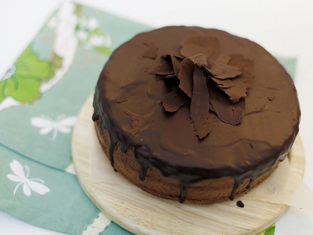 Рецепт - Торт с шоколадом и ганашем