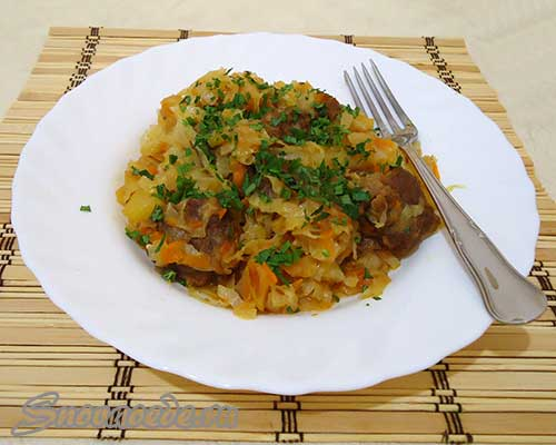 Картошка тушеная с мясом и капустой в кастрюле рецепт