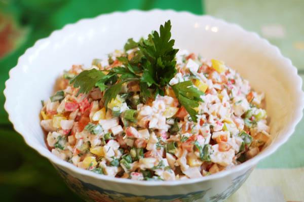 Рецепты оригинальных салатов с фото простые